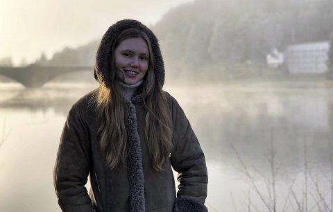 Åmli: - jeg trives veldig godt i Åmli. Jeg har vært heldig med de jeg har vokst opp med, det er et godt miljø. Jeg reiser hit i alle ferier, og er glad i å gå på tur her. Det er på tur jeg får lagt fra meg alt anna, sier Ingvild. Foto: Siri Fossing
