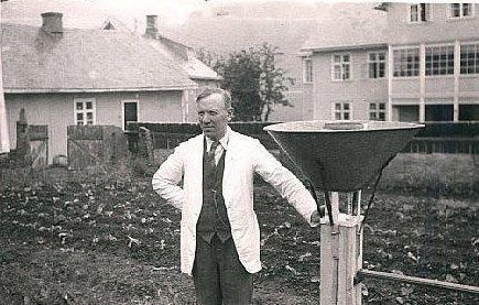 Familien Ellingbø overtok nedbørstasjoinen i 1902.