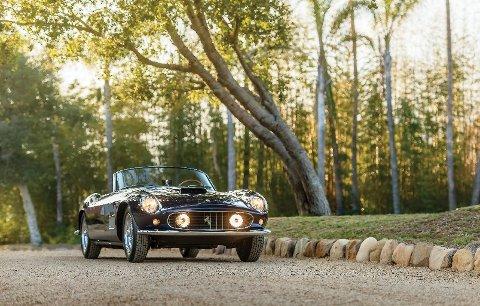 Denne Ferrarien har den klassiske Colombo V12-motoren med tre Weber-forgassere, ytelsen er 222 hestekrefter.