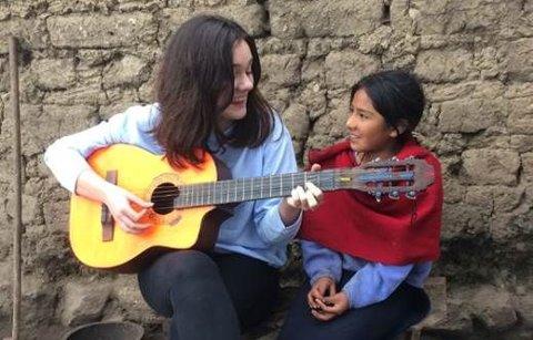 Emelie Hollow har vært på reise til Ecuador med Plan. Der møtte hun Daisy (9) og fikk høre hennes historie.