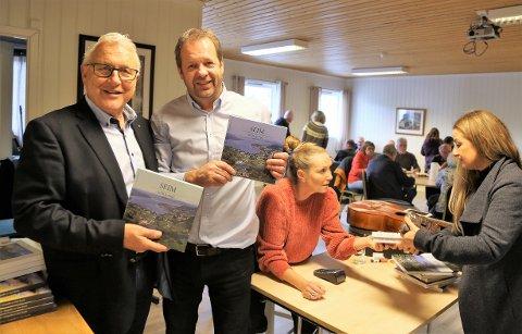 - Du er spenstig og modig som går laus på eit så vågalt og spennande prosjekt, sa Einar Vatne til Arne Årseth under boklanseringa i Strilatun.