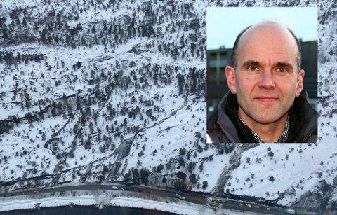 Avdelingsdirektør for drift og vedlikehold i Nord-Norge hos Statens Vegvesen, Tore Lysberg, opplyser at det jobbes på spreng med å sikre rasstedet.