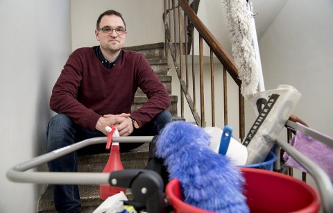 TILLITSVALGT: Bjørn-Tore Olsen er tillitsvalgt for renholdere i Bergen. Nå vil han at også disse skal ha normalarbeidsdag. FOTO: EIRIK HAGESÆTER