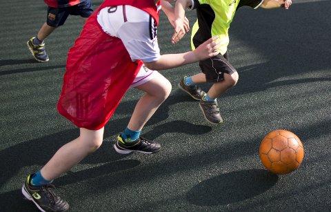 Fotballen for de yngste utsettes til etter 18. september, melder fotballkretsen.