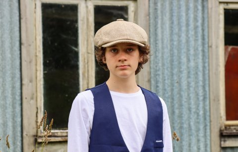 Fredrik Maximillian (15) bruker tid på en hobby litt utenom det vanlige.