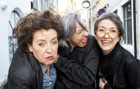 Kvinner på randen har gått gjennom all galskapen de serverte fra scenen i perioden fra 1996 til 2005. I likhet med trioen selv hadde svært mye av materialet tålt tidens tann. Fra venstre Elisabeth Moberg, Kjersti Berge og Marit Voldsæter.