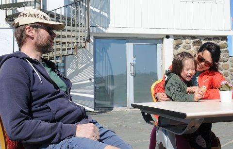 Første gang: Lørdag var familien fra Storhaug på tur til Vistestranden for første gang.