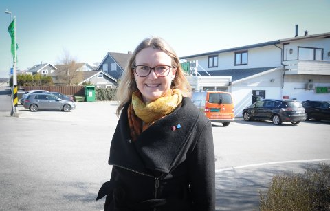 Positivt: Kristine Enger representerer Arbeiderpartiet i kommuneplanutvalget. Hun liker detaljplanen for utvidelse av dagligvarebutikken her i Dalveien på Randaberg, men skulle gjerne også ønsket seg litt større blågrønn faktor i den.