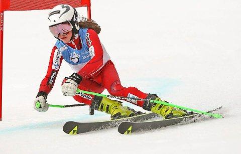VAR PÅMELDT: Thea Emilie Benth Jellum fra Eggedal har trukket seg fra junior-NM på Norefjell på grunn skader hun pådro seg under et renn på Ål sist helg.