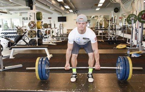 STERK KAR: Seks uker med markløft og knebøy hos Olympiatoppen har satt sine klart positive spor i kroppen til Lucas Braathen. 19-åringens muskler svulmer.
