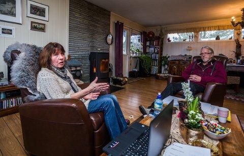 HAR TRENGT HJELP: Elisabeth Håbu (65) har fått hjelp av samboer Hans Thorstensen til å håndtere hele varslingssaken hennes, da hun ikke har kapasitet til det selv.