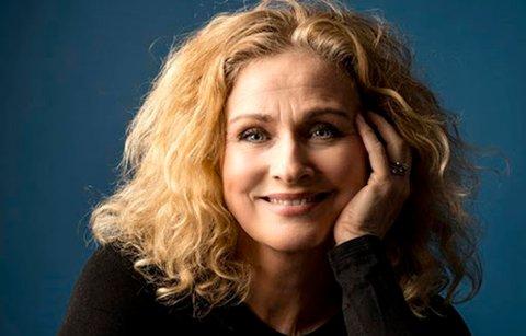 Tine Skolmen,  skuespiller, sanger og programleder, skal synge i Gressvik kirke i oktober. Pressefoto