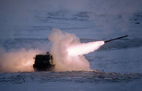 OPPGRADERE: Regjeringen å oppgradere missilartilleriet Multiple Launch Rocket System (MLRS) som ble kjøpt inn på slutten av 90-tallet, men som ble tatt ut av tjeneste og satt på lager i Bjerkvik i 2005.