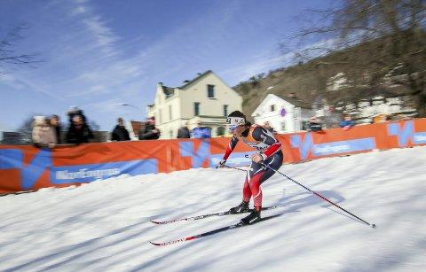 SKRYTER AV MILJØET: – Nes Ski har betydd veldig mye. Med utrolig flinke trenere og et veldig bra miljø med mange ivrige og gode løpere var det, så var det utrolig moro å dra på trening. Nes Ski har vært med på å gi meg mye skiglede, sier Tiril Udnes Weng, her fra verdenscupsprinten i Drammen for to uker tilbake.