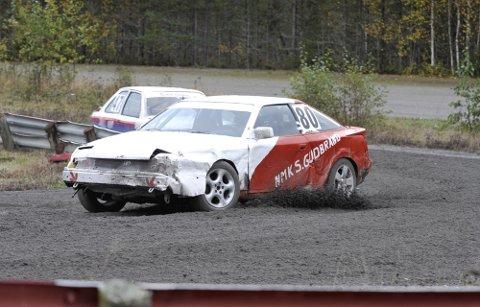 COMEBACK: Stein Hansveen Kjellfridson, NMK Sør-Gudbrandsdal, var tilbake i en bilcrossbil under Landsbycrossen på Vinjarmoen etter 13 år på sidelinja. Han var fornøyd med egen kjøring som holdt til 25. plass.  Alle foto: Morten Aasen
