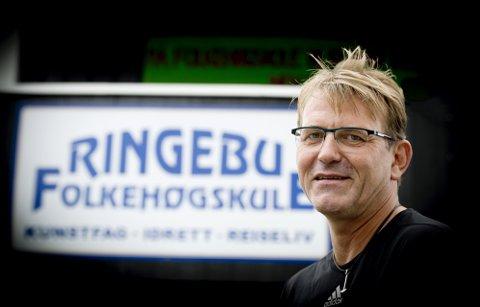 Fortsatt populær: Rektor Rolf Joar Stokke ved Ringebu folkehøgskole har høy ja-prosent denne våren. Arkivfoto: Torbjørn Olsen