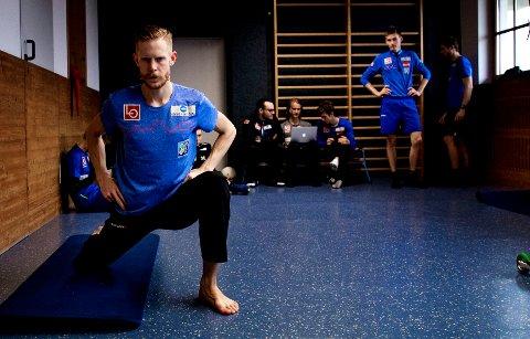 BØY OG TØY: Robert Johansson og resten av gutta starter som regel dagene med en treningsøkt innendørs før de drar i bakken.