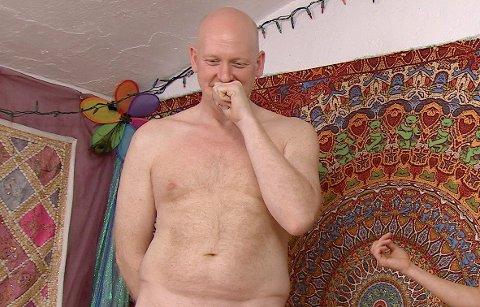 Dokumentaraktuelle Jan Dalchow slår et slag for mer nakenhet i storbyen.