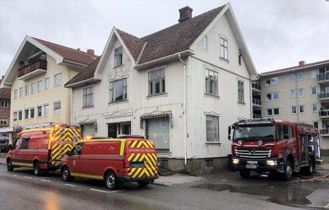 UTRYKNING: Lunner - Gran brann og redning måtte rykke ut til Storgata 31 i Gran sentrum lørdag.