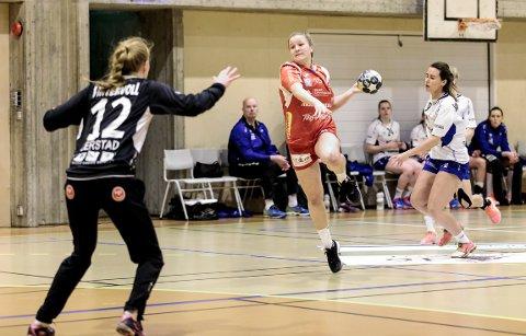 Nora Thulin og HHK i aksjon mot Byåsen.
