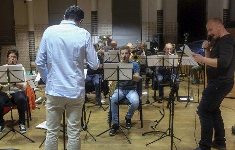 SOLIST: André Søfteland er solist med storbandet under den kommende storkonserten på gamle Iris.