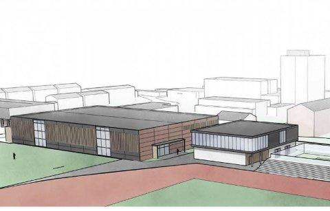 Hall og treningssenter: Hallen over ballbingen til venstre, ved siden av nybygget som vil huse både treningssenter og kanskje fysioterapeut. Illustrasjon: Karoline Førsund