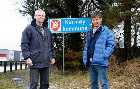 Jan Steffensen (t.v) og Knut Birkeland for fire år siden. Da ønsket de folkeavstemning om fremtiden til Fastlands Karmøy. Det fikk de ikke. Nå er det nytt liv i saken.