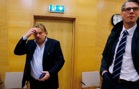 I LAGMANNSRETTEN: Kjell Gabriel Valen Simonsen forlanger å slettes fra DNA registeret etter promilledom. Han møtte Knut-Fredrik Haug-Hustad fra Regjeringsadvokaten i lagmannsretten.
