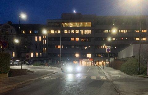 VAKSINE: Utkjøring av covid-vaksinene til kommunene på Haugalandet begynner onsdag.