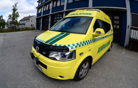 ILLUSTRASJONSFOTO: Det gikk heldigvis bra for ambulansepersonellet etter fredagens elgpåkjørsel ved Luktvatn.