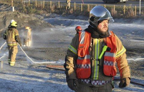 FATALT: En hyttebrann kan fort bli fatal, advarer brannsjef Arne Myrseth i Hammerfest. Nå sender han en bønn til hytteeierne i kommunen om å få stell på brannvarslere og brannslukkere.