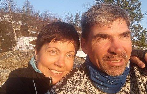 FORLOVET: – Det var nesten så man kunne se stjernene som tentes og sprakte mellom oss, forteller Sølvi Monsenom da hun i 2007 ble sammen med forloveden Arnt Magne Bjørnø.