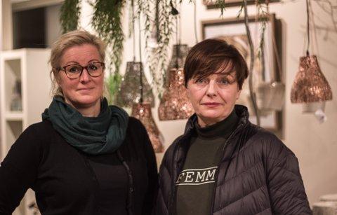 HÅPER PÅ LOKAL HANDEL: Marit Enochsen Pedersen og Hege Johnsen driver begge butikk i Vadsø, og håper folk vil fortsette med lokal handel.