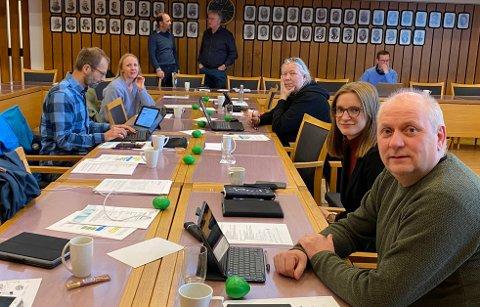 SENDER UTTALELSE: Formannskapet i Hammerfest, her med Kurt Methi (Ap) i front.