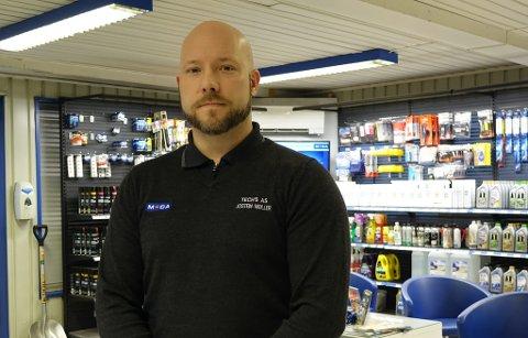 DAGLIG LEDER: Josten Garvik Møller er daglig leder i Techs AS, her avbildet i lokalene i Hammerfest.