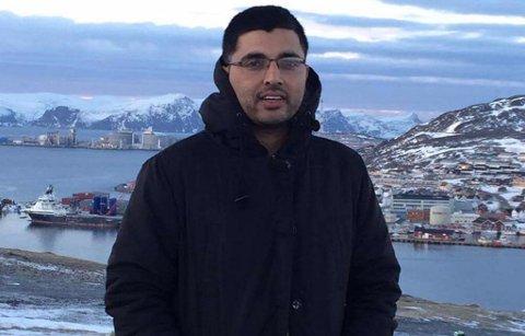 REISTE HJEM: Nirmal prøvde å holde ut så lenge han klarte før han reiste hjem til Hammerfest.