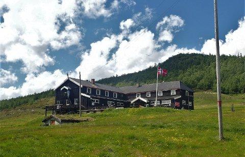 PUSSES OPP: Turisthytta Solheimstulen i Nore og Uvdal skal rehabiliteres i løpet av året.