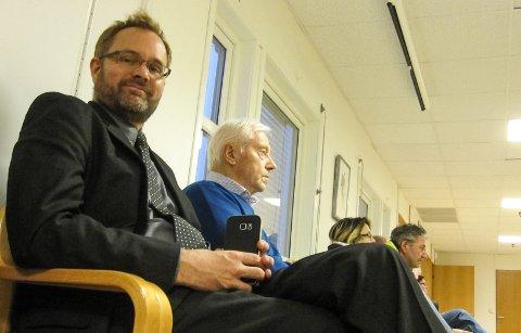 Satt ringside: Knut R. Johannessen fra Rygge Airport fulgte debatten i kommunestyret i Rygge.