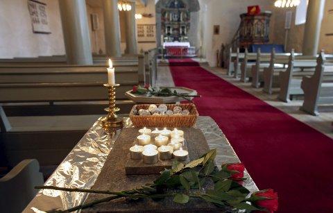 Minnestund: Lørdag ble det holt minnestund for avdøde i Rygge kirke.