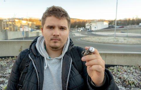 Martin Hanssen Løvsal (18) ble innesperret i bilen, da han kjøre utfor i Finnvikdalen