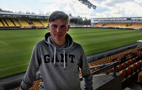 DRØMMESJANSE: Markus Johnsgård (21) har vist seg som en veldig spennende spiller for FK Senja. Nå er han kalt inn på trening med Lillestrøm på Åråsen.