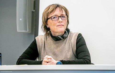 KONTAKTES: Sylvi Ofstad i Troms og Finnmark idrettskrets tror stort prestasjonspress er en viktig årsak til mange av tilbakemeldingene hun får fra foreldre til idrettsaktive barn.