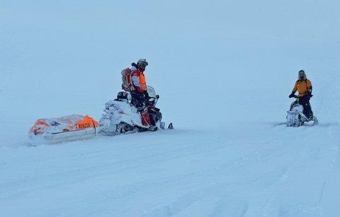 ENDTE GODT: Skuterpatruljer fra Norsk Folkehjelp i Nordreisa ute på et tidligere oppdrag. Natt til mandag fant de to nedkjølte personer i tide.
