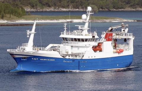 OMKOM En mann omkom etter at han ble klemt mellom rekka og tråldøra om bord på «Asbjørn Selsbane». Foto: Rederiet/ Faksimile fra rapporten.