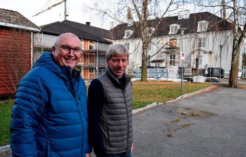 ANBUDSSPREKK: - Vi har ikke noe å gå på i omfanget av nytt internat på Valle, sier avdelingsleder Åge Flægstad (t.v.) og rektor Torfinn Overn.