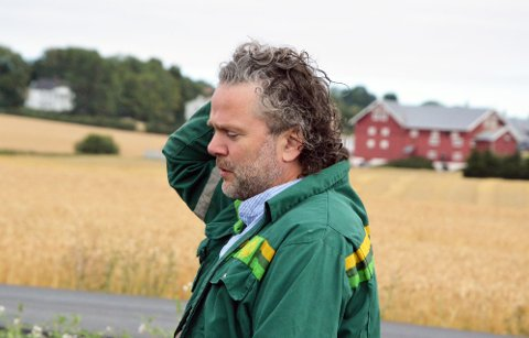 SNART KRISE: Thor Johannes Rogneby mener det haster med å få avklart om bøndene kan få bruke utenlandsk arbeidskraft til innhøstingen denne sesongen.