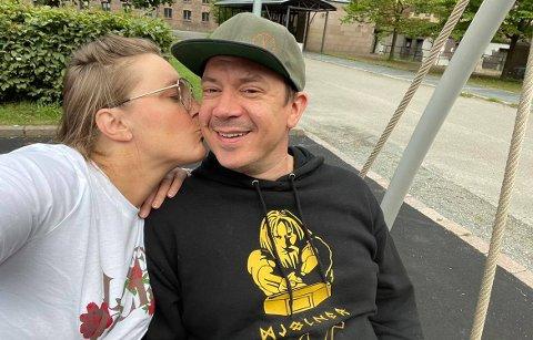 KOMMER SEG: Nini Braach, var motorsyklisten som var i den alvorlige ulykken på Bøverbru torsdag. Her med kjæresten Ida Marie Ringerud.