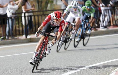 BRAGD: Carl Fredrik Hagen i aksjon på den 18. etappen i fjorårets Vuelta a Espana. Det ble hans definitive gjennombrudd som syklist. Nå har han signert Israel Start-Up Nation fra neste sesong.  FOTO: NTB SCANPIX