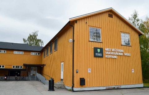 SLUTT: Denne uka er det slutt for Midt-Østerdal videregående skole på Koppang, men neste år kan Norges Natur- og Økologigymnas AS være på plass i de samme lokalene. (Foto: Bjørn-Frode Løvlund)