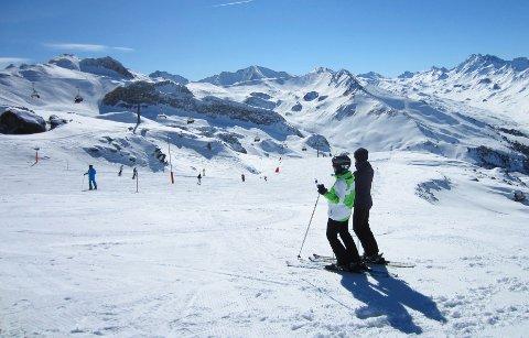 SKIBAKKENE: Skistedet Ischgl i Østerrike (bildet) ble et arnested for koronasmitte i vår. Nå raser debatten i EU om hva som skal skje med skistedene denne vinteren.